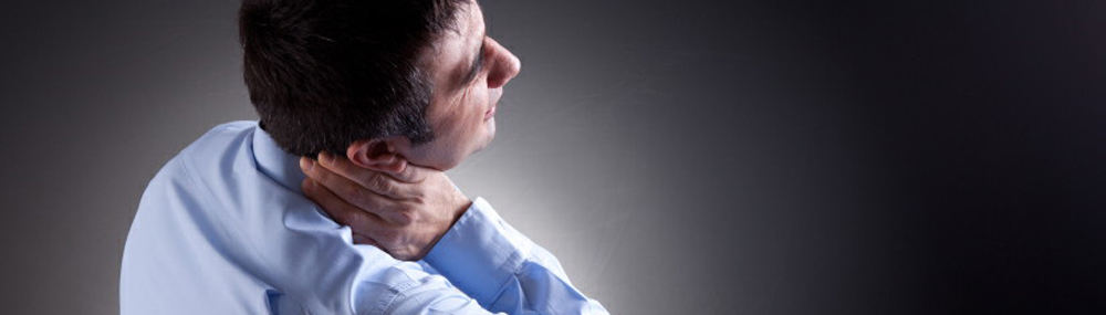 suffer-from-neck-pain-relief-man-with-sore-neck-ottawa-chiropractic